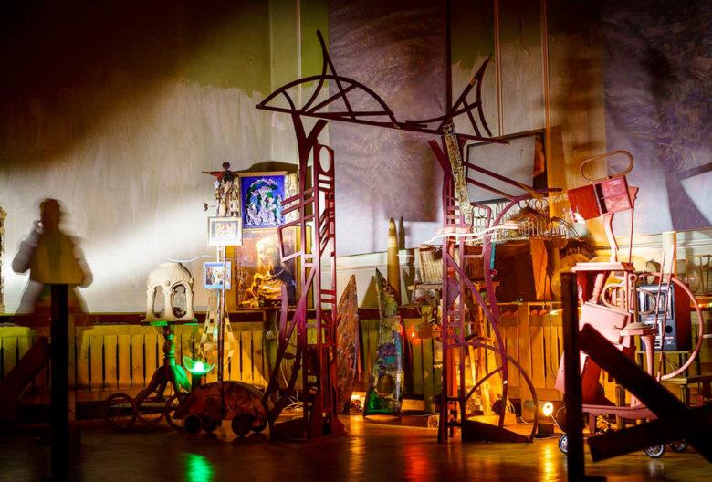 Reinhard Zabka, 2016, Installation großer Saal Kulturhaus Mestlin