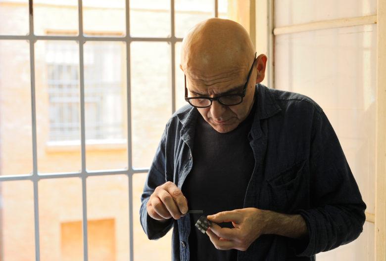 Gigi Mariani setzt traditionelle Techniken wie Niello und Granulation ein