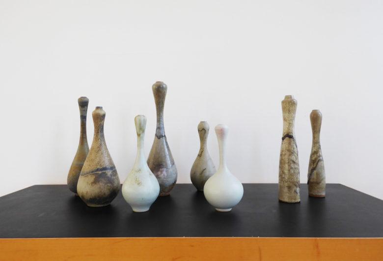 Görge Holt, Vasenformen, darunter Kalebassenvasen in gestreckter Form, Steinzeug