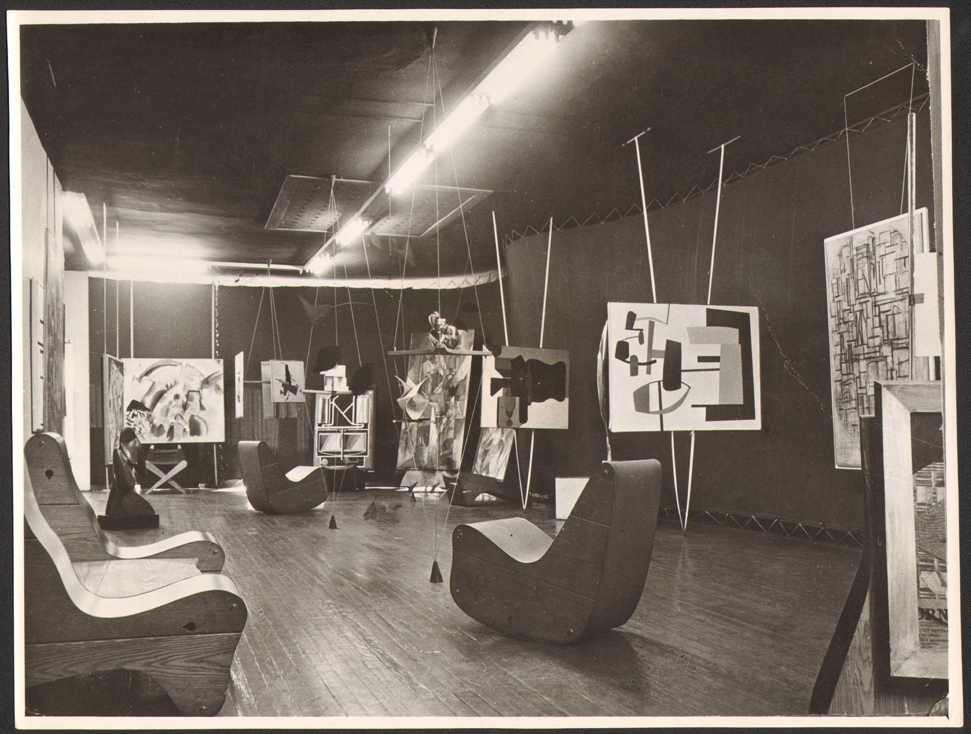 Friedrich Kieslers Ausstellungsgestaltung für Peggy Guggenheim