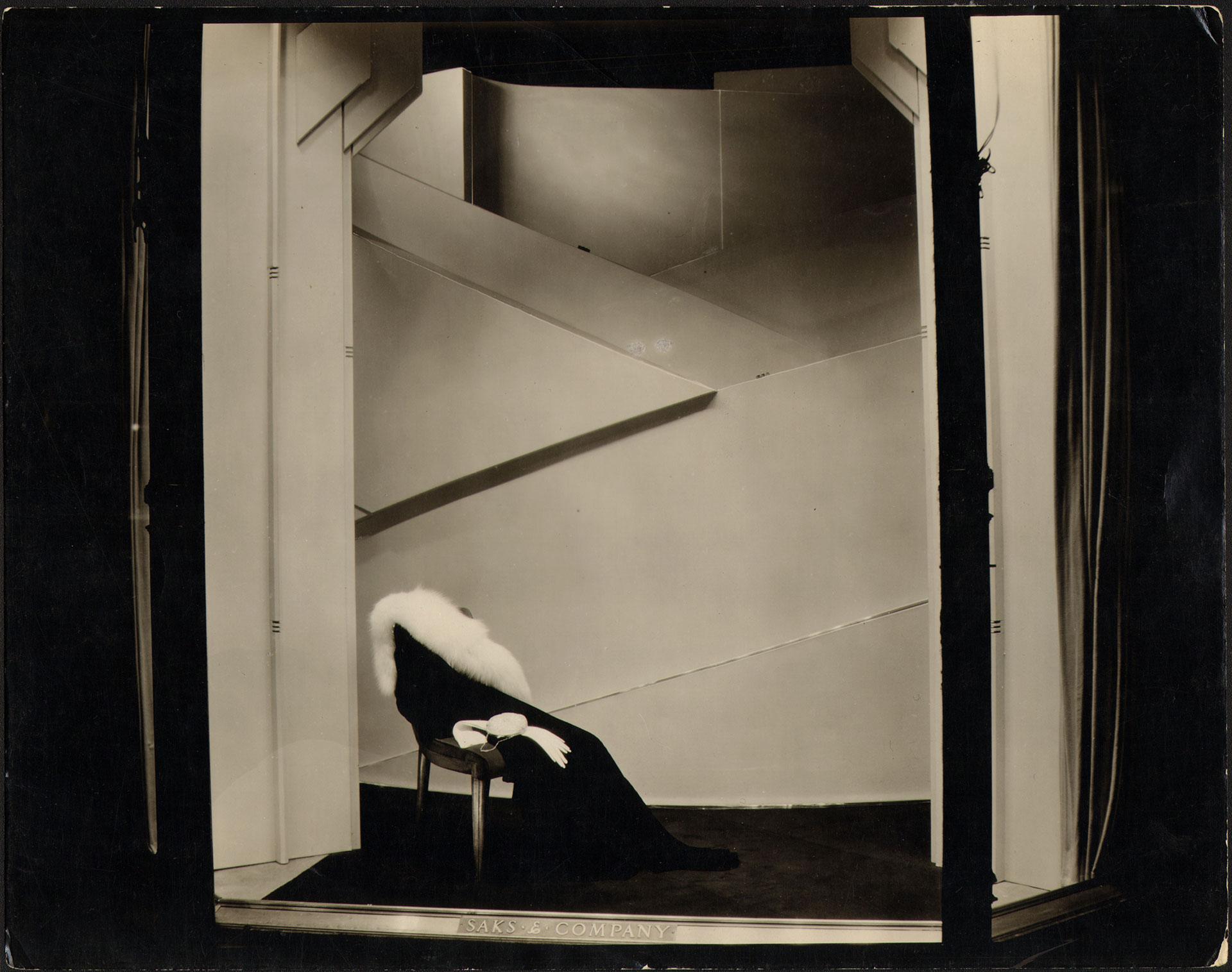 Friedrich Kiesler, Saks Fifth Avenue, Schaufenstergestaltung