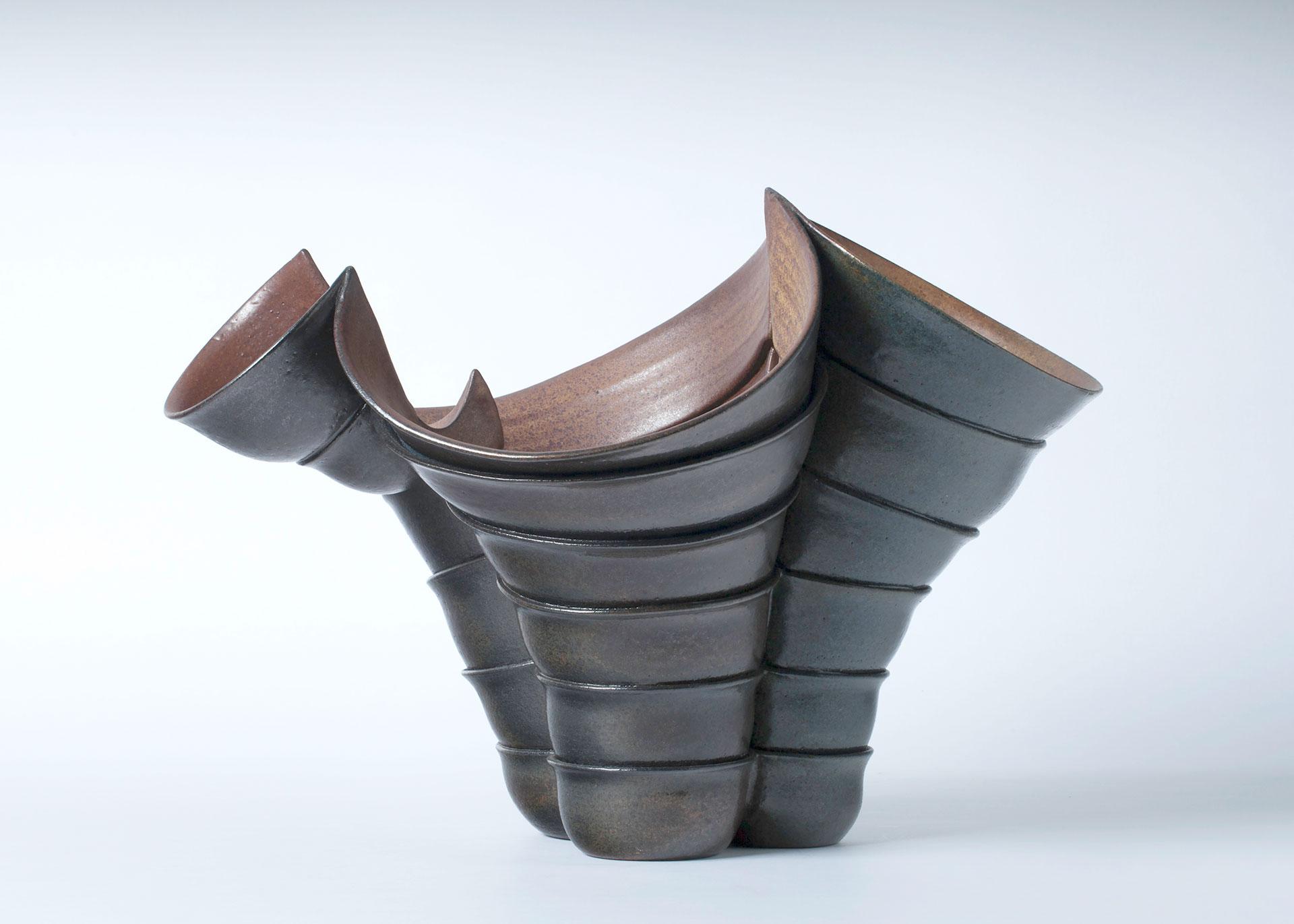 Beate Kuhn, Gefäßplastik, Steinzeug, Keramik