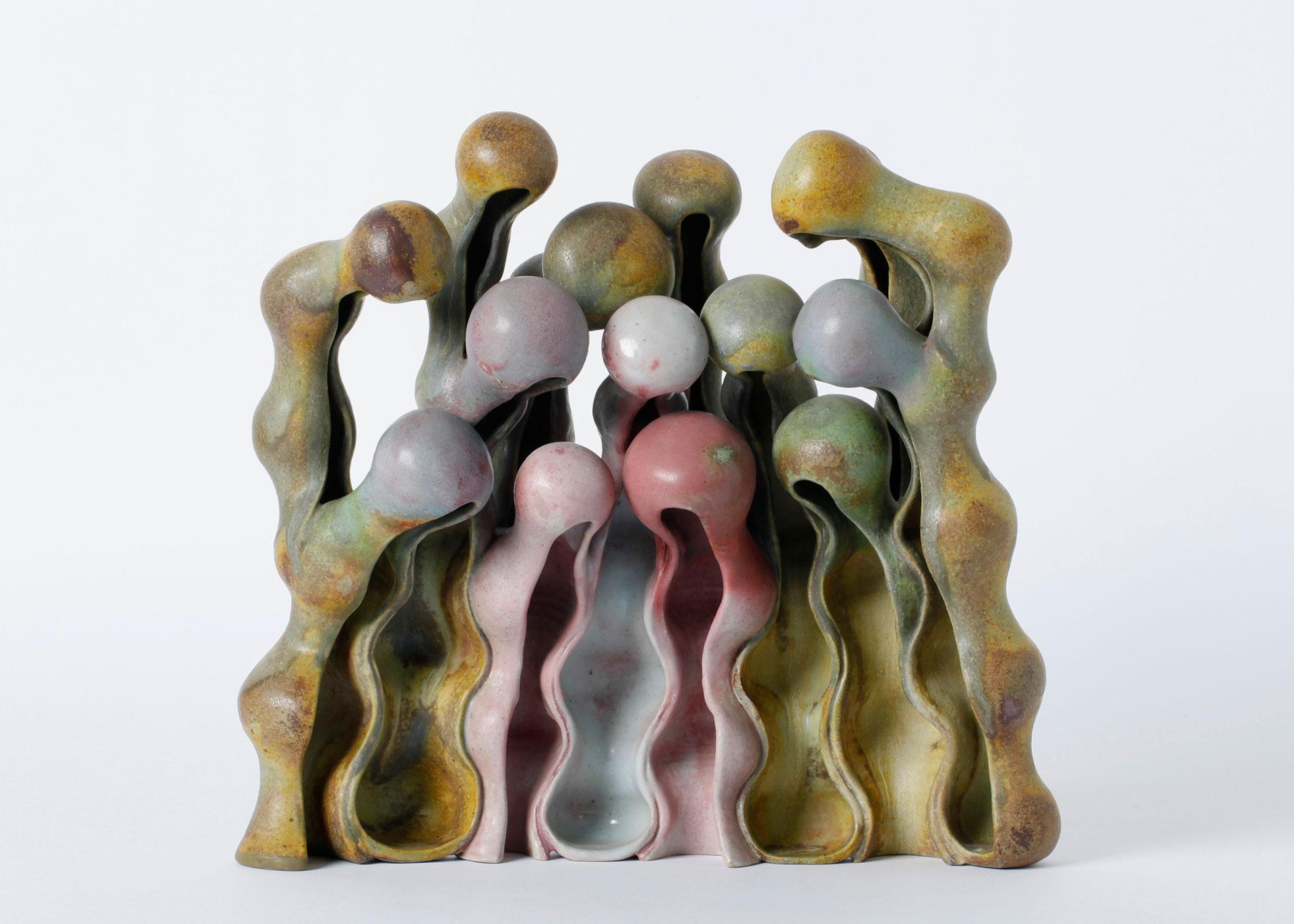 """Beate Kuhn, Objekt """"Kleine Familie im Halbkreis"""", Porzellan und Steinzeug, Keramik"""
