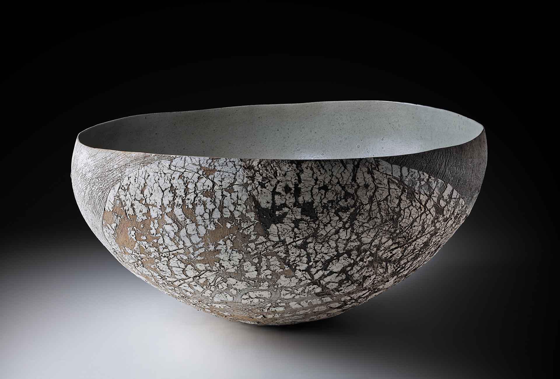 Galerie Metzge, Susanne Kallenbach, Große Strukturschale