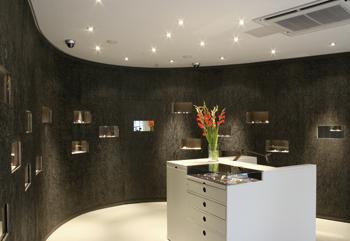 Galerie-Gesamtmetall-Arne-Peters