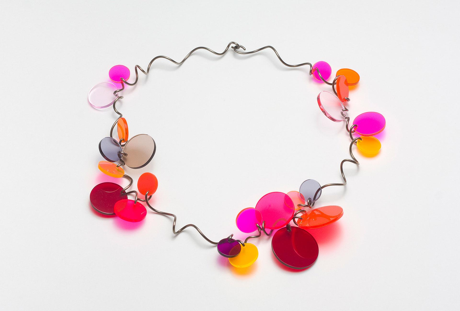 "Paul Derrez, Halskette ""Confetti"", 2012. Silber, Acryl"