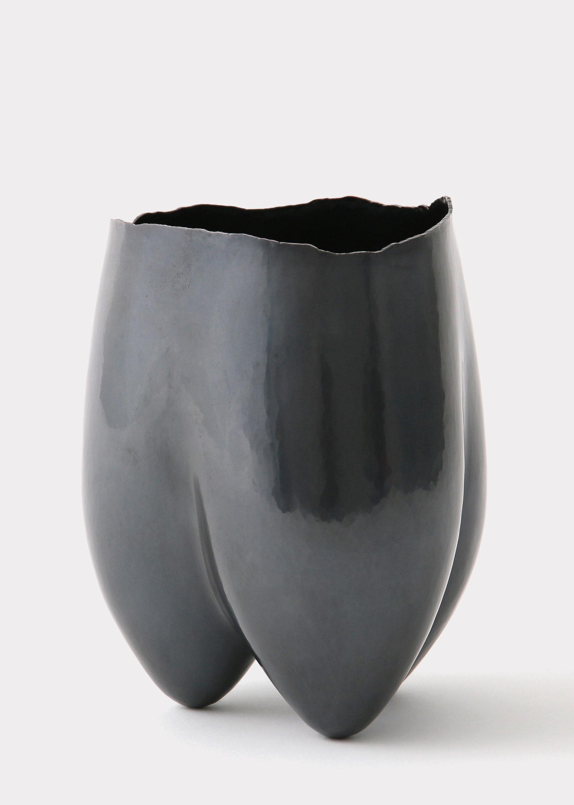 Koichi Io, Three Legs, Vase, Kuromido, Schmiedekunst